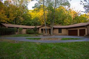 318 Green Hollow Drive SW, Pataskala, OH 43062