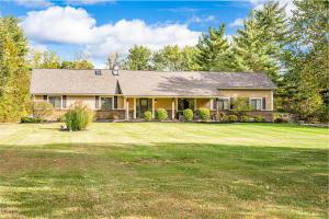 Property for sale at 1888 Surrey Road, Blacklick,  Ohio 43004