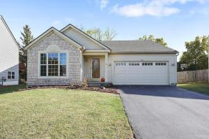 Welcome Home to this 3 BEDROOM / 2 FULL BATH on a cul-de-sac / court