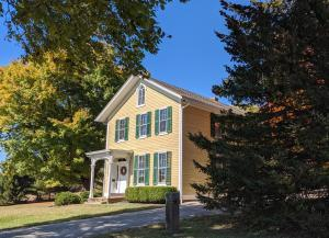 6019 White Chapel Road SE, Newark, OH 43056