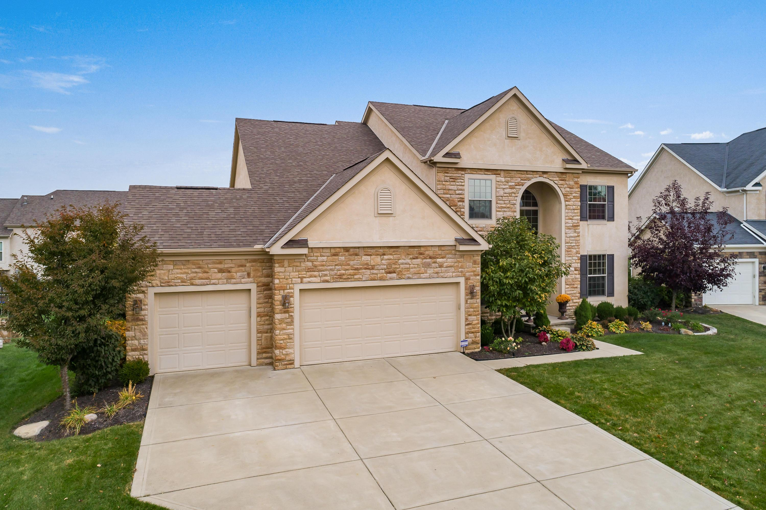 Photo of 5032 Silver Saddle Court, Hilliard, OH 43026
