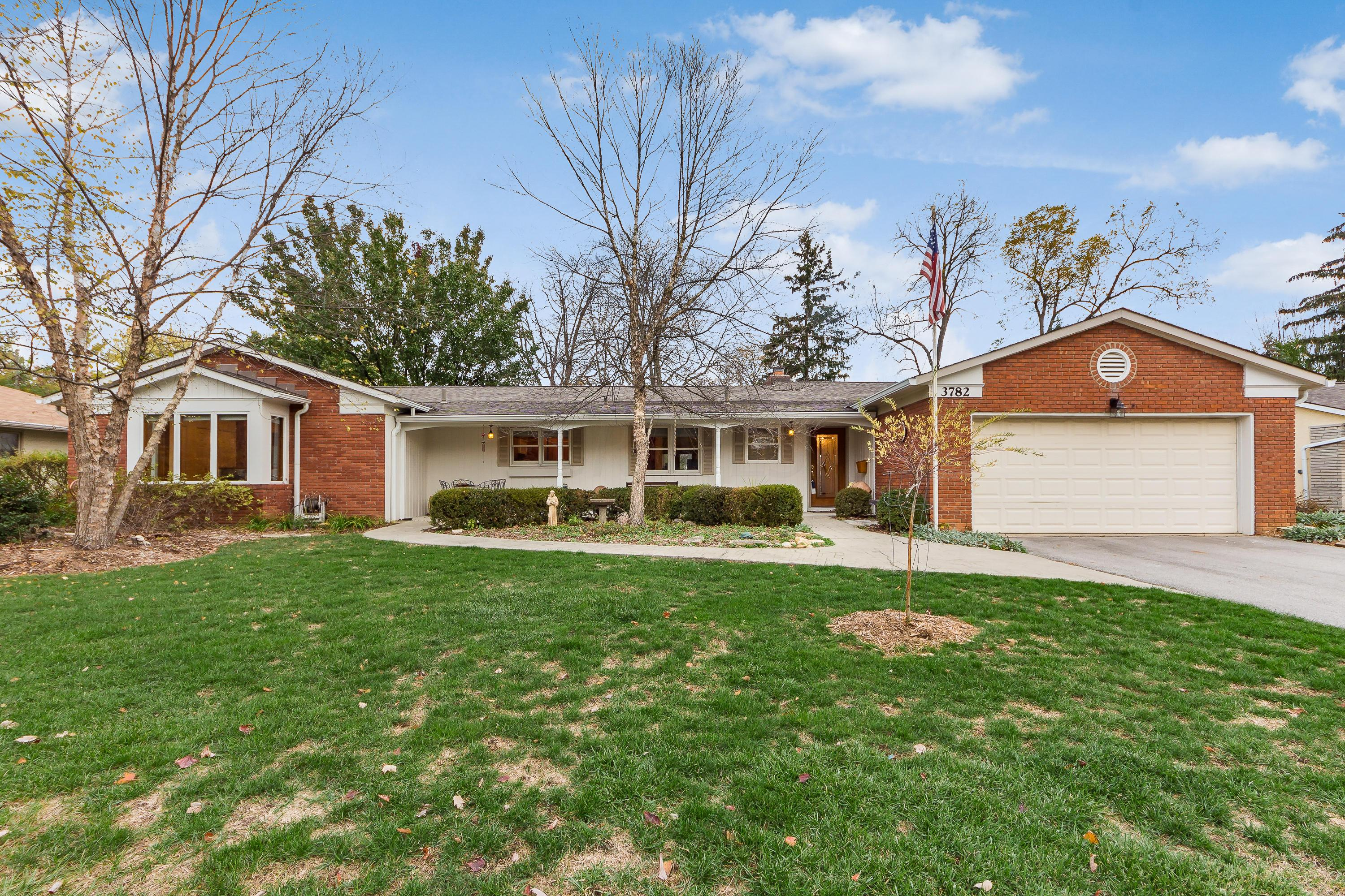 Photo of 3782 Surrey Hill Place, Upper Arlington, OH 43220