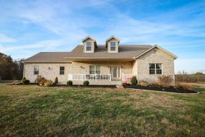 562 Coonpath Road NW, Lancaster, OH 43130