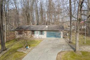 Property for sale at 602 Courtland Drive, Howard,  Ohio 43028