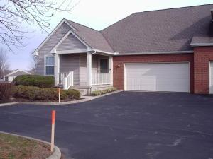 6898 Greensview Village Drive, Canal Winchester, OH 43110