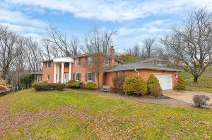 709 Howell Drive, Newark, OH 43055