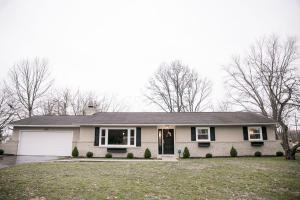 Property for sale at 6245 Oakhurst Drive, Grove City,  Ohio 43123