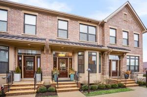 872 Pullman Way, Grandview Heights, OH 43212