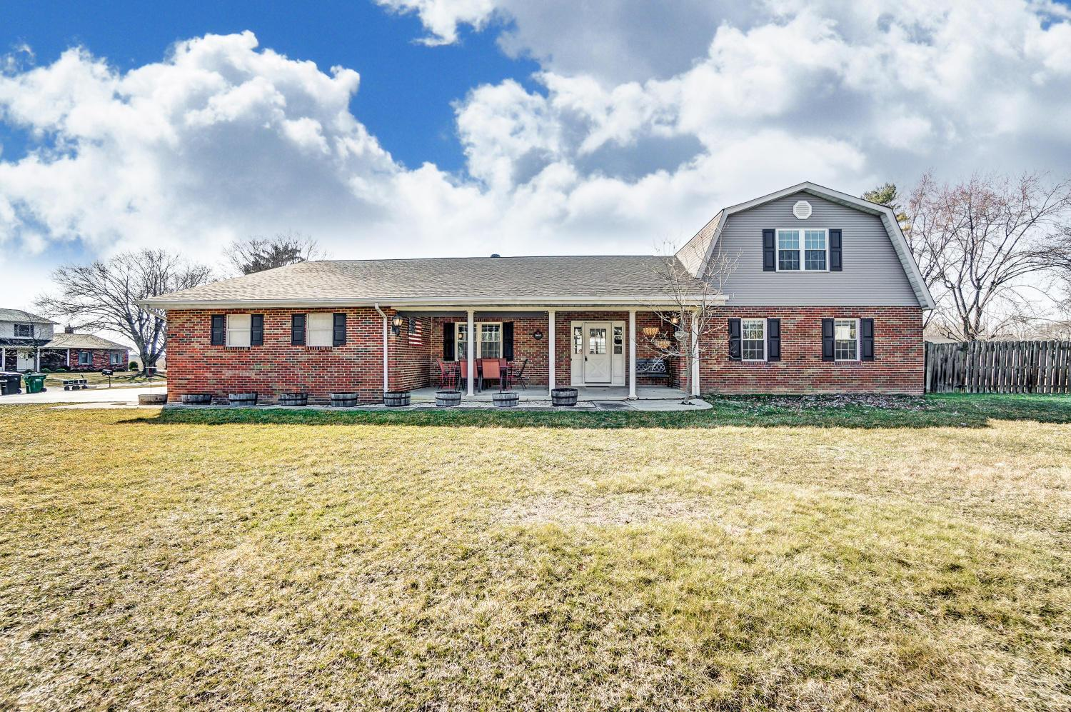Photo of 2411 Granada Court N, Galloway, OH 43119