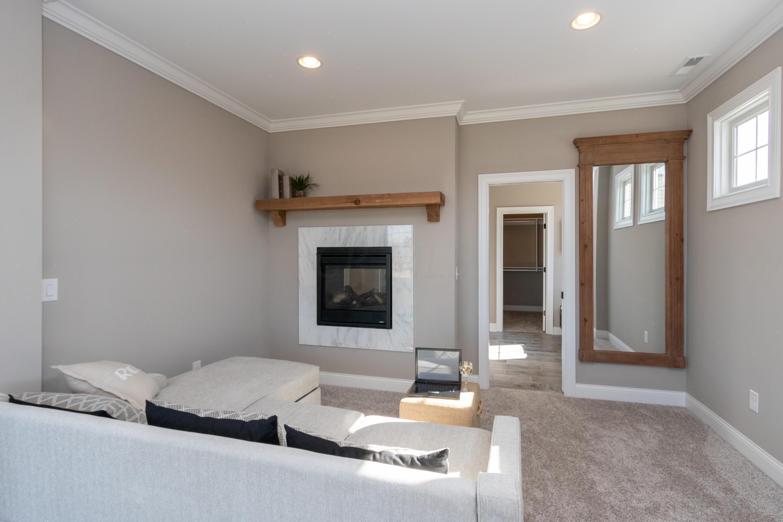 7902 Old Oak Lane, Dublin, Ohio 43017, 4 Bedrooms Bedrooms, ,6 BathroomsBathrooms,Residential,For Sale,Old Oak,218011991