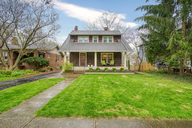 Photo of 842 Pleasant Ridge Avenue, Bexley, OH 43209
