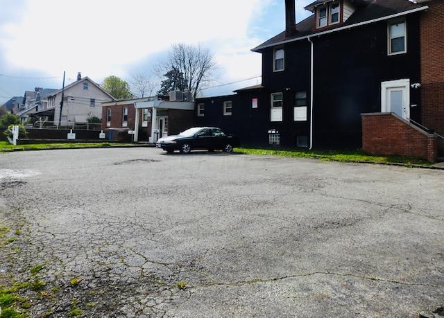 1452 High Street, Columbus, Ohio 43207, ,Land/farm,For Sale,High,220017040