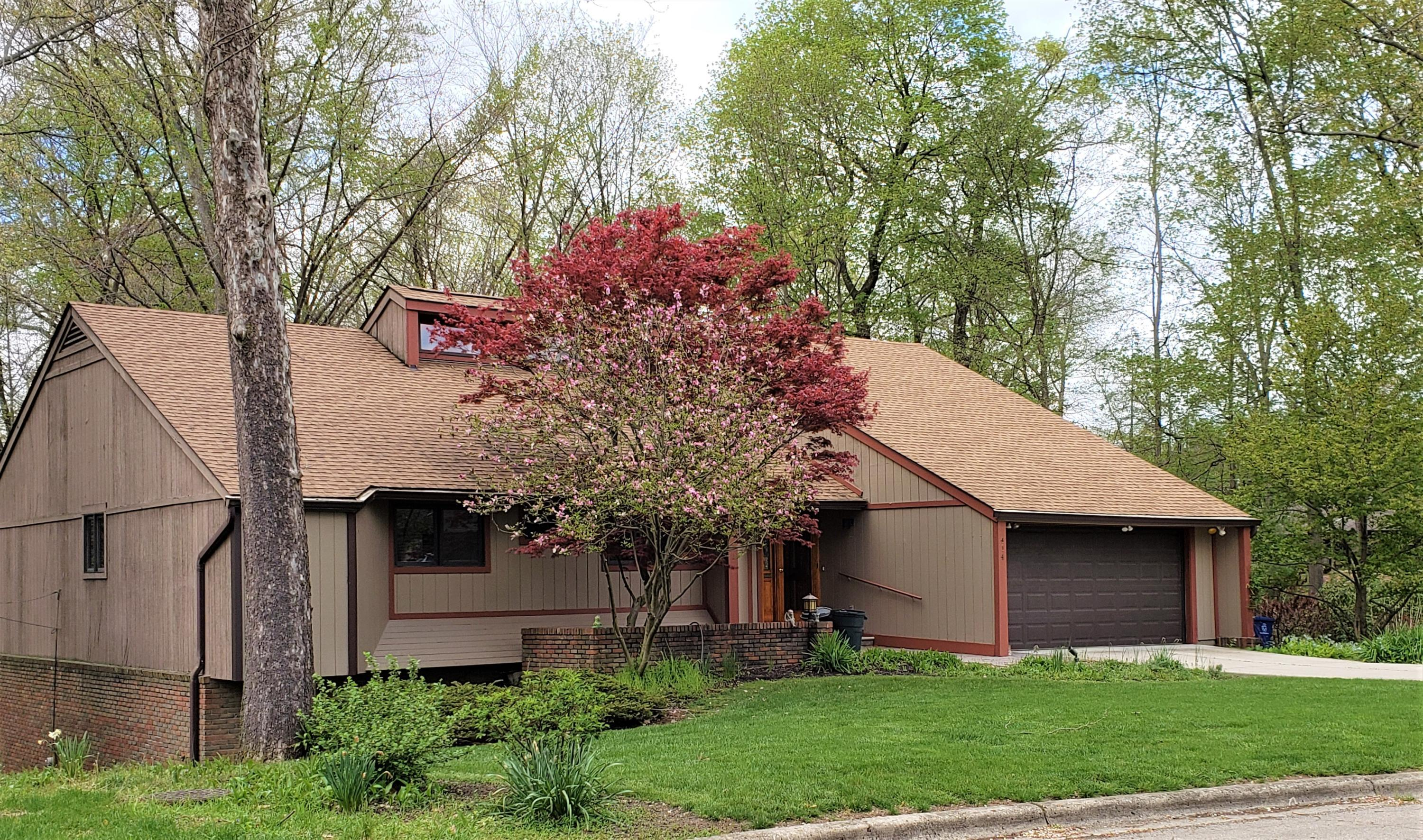 Property for sale at 414 Village Drive, Columbus,  Ohio 43214