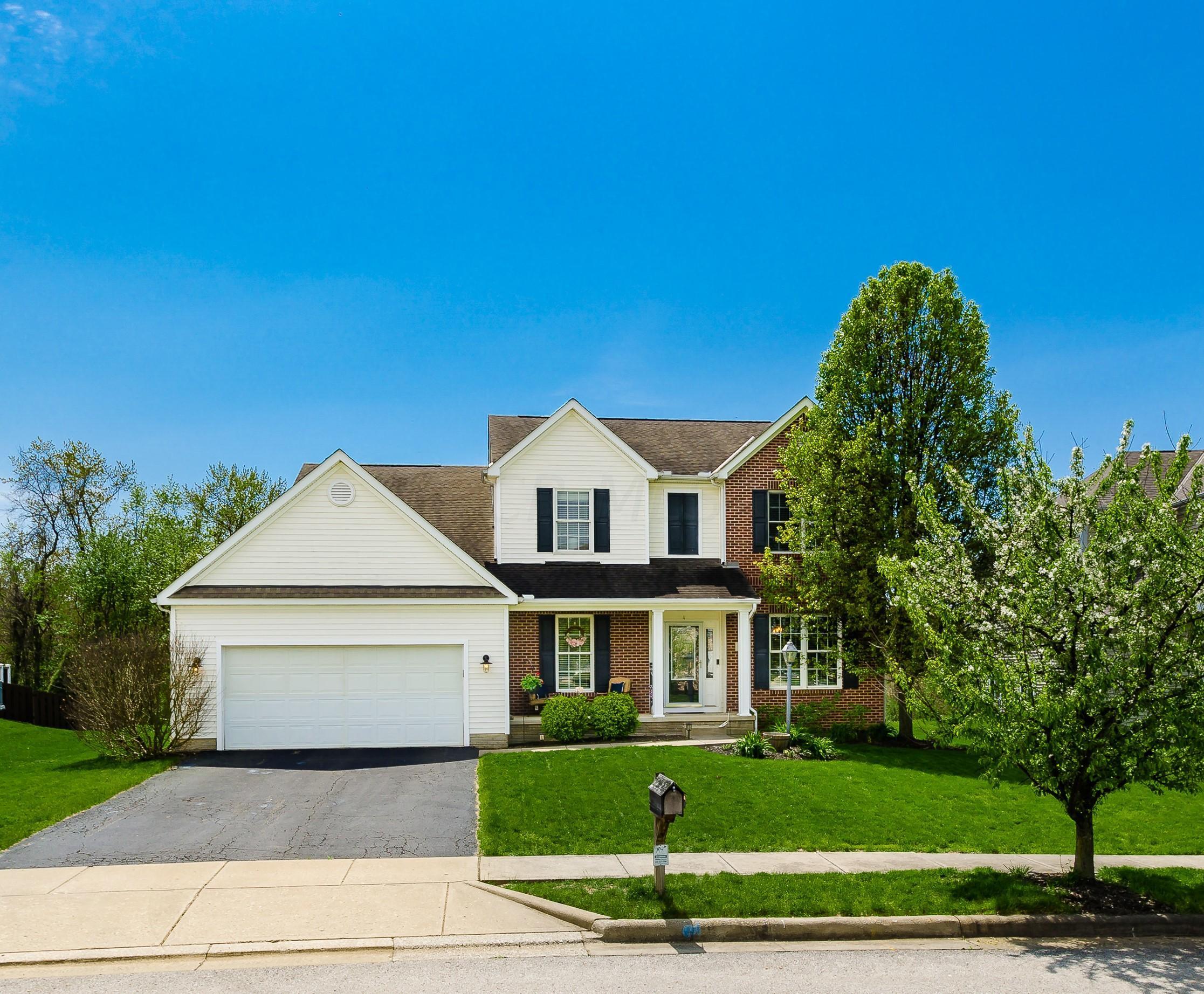 Photo of 217 Fox Glen Drive E, Pickerington, OH 43147