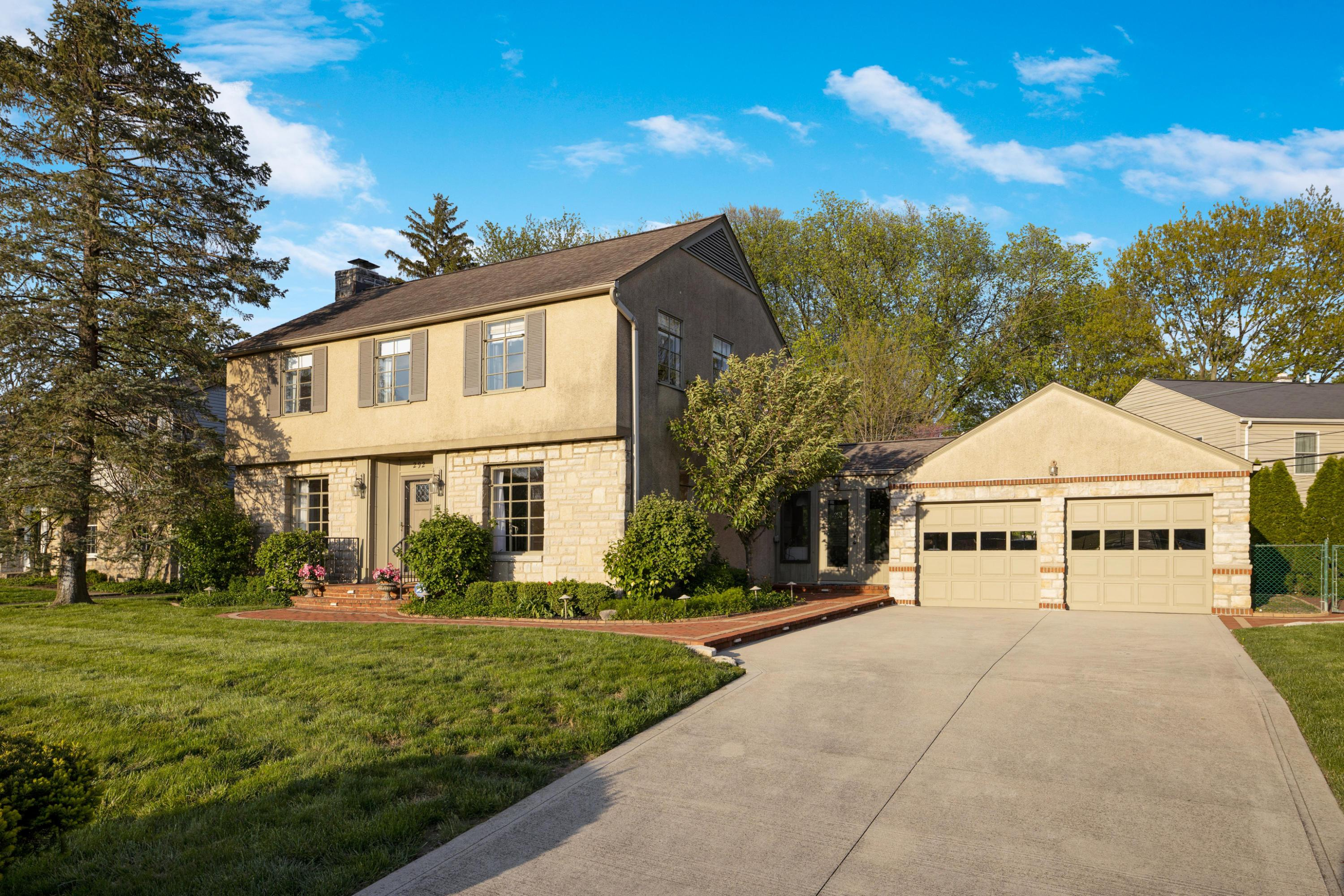 Photo of 292 Stanwood Road, Bexley, OH 43209