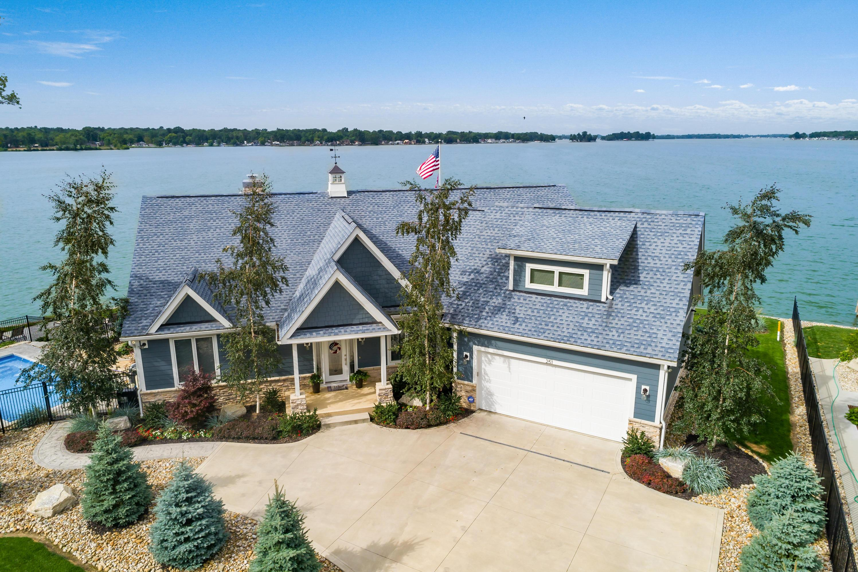 Property for sale at 251 Lakeview Drive, Buckeye Lake,  Ohio 43008