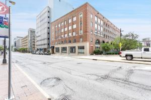 221 N Front Street, 401, Columbus, OH 43215