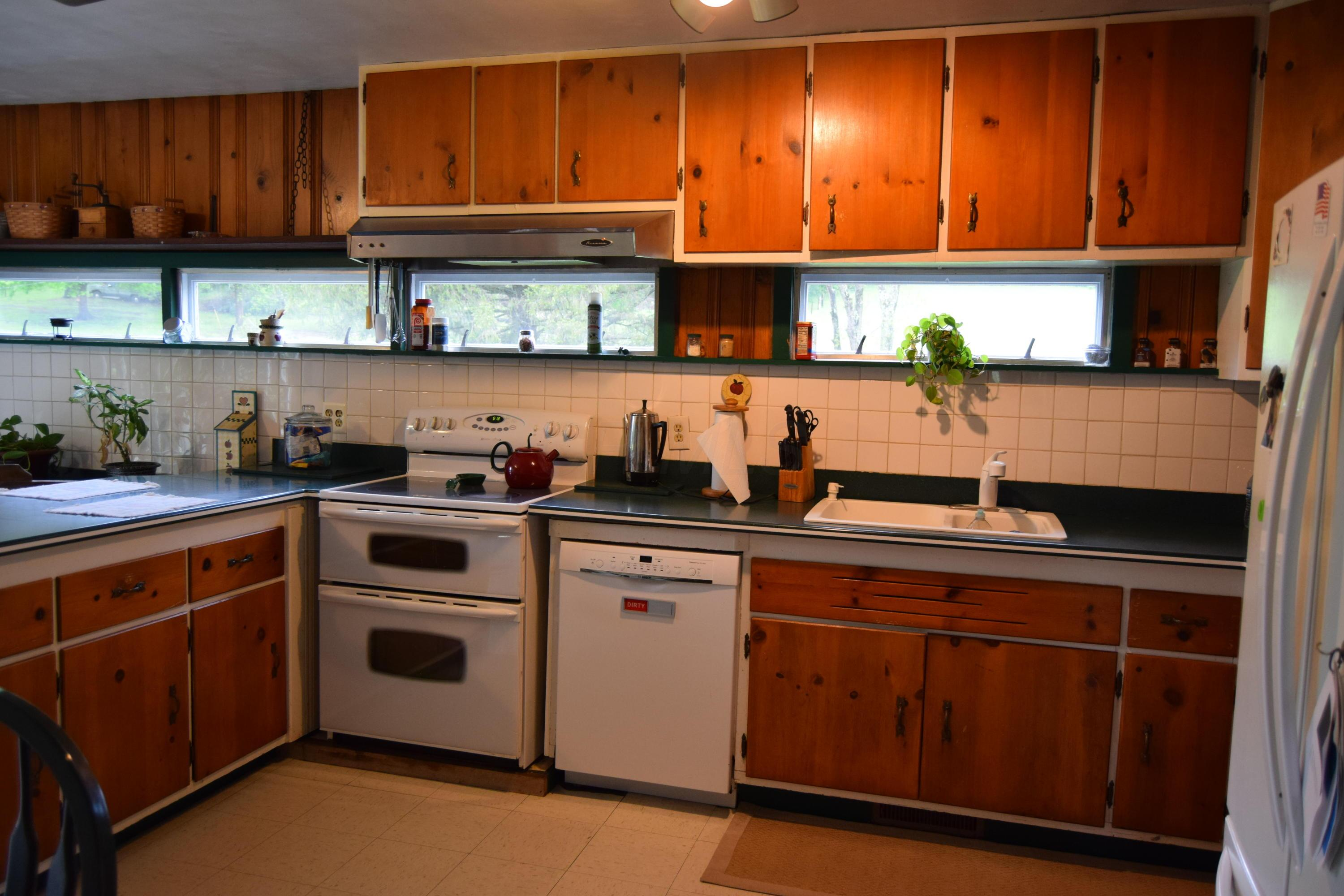 17472 Mary Ann Furnace Road, Nashport, Ohio 43830, 4 Bedrooms Bedrooms, ,2 BathroomsBathrooms,Residential,For Sale,Mary Ann Furnace,220016359