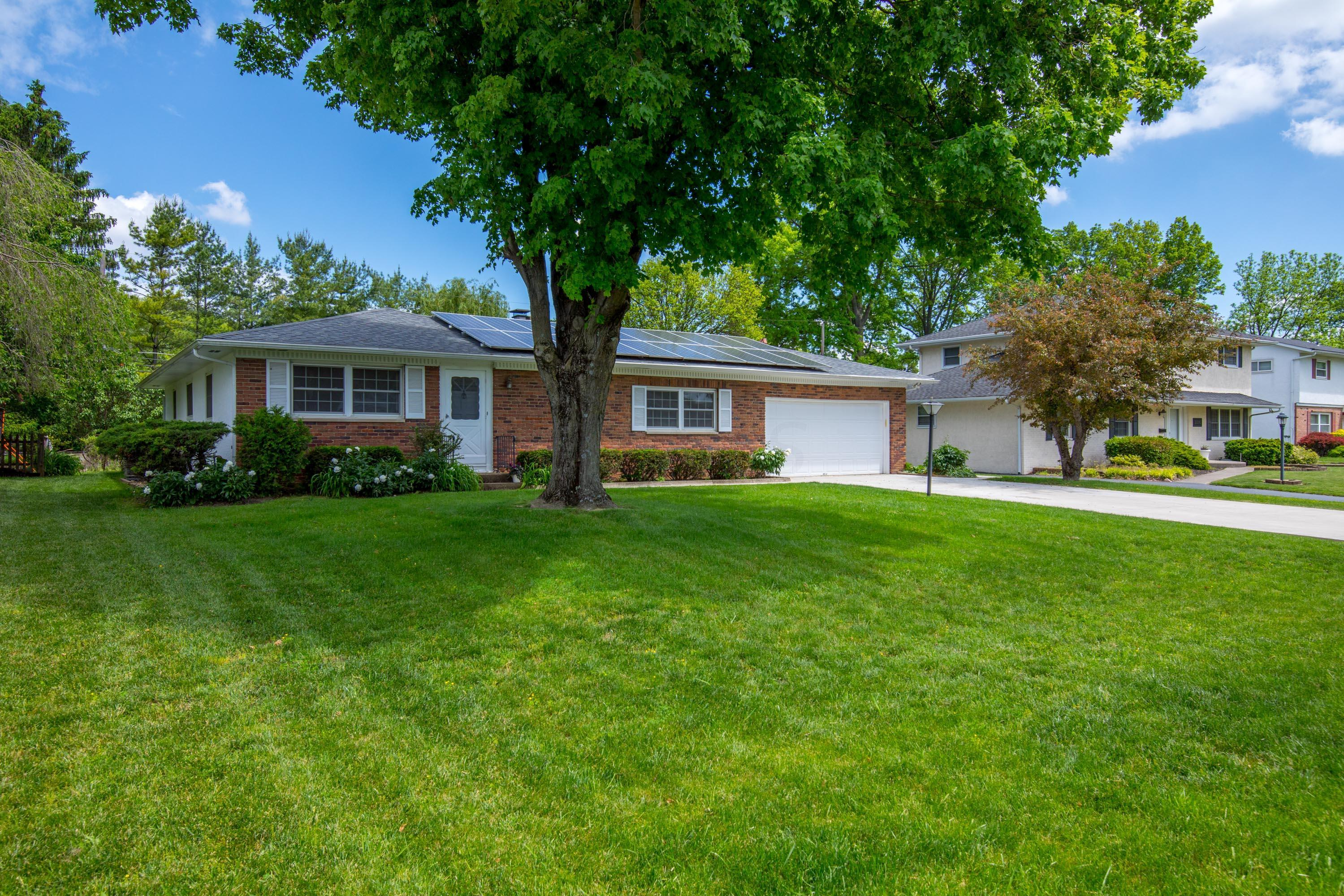 Property for sale at 3588 Wenwood Drive, Hilliard,  Ohio 43026