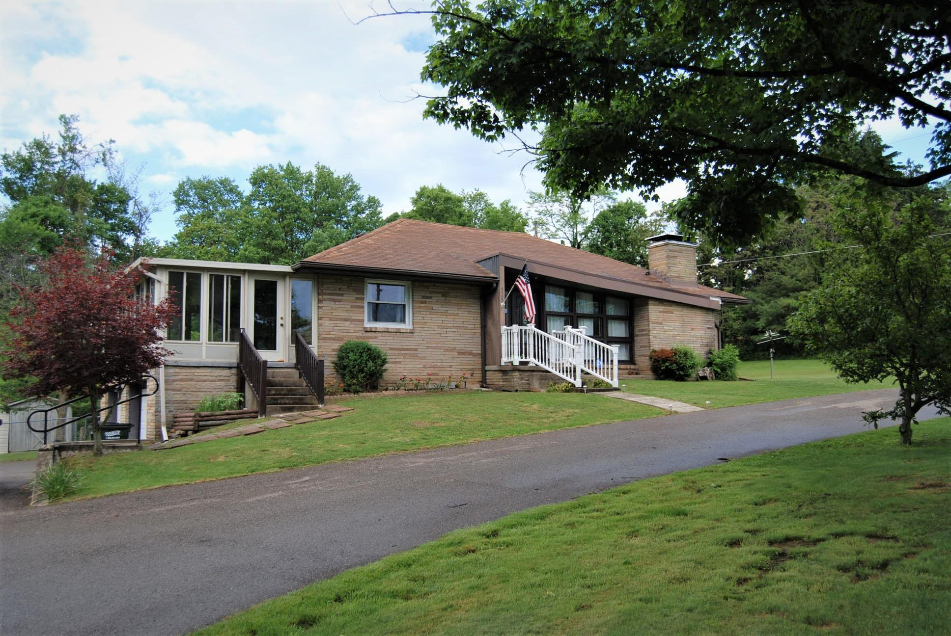 525 Military Road, Zanesville, Ohio 43701, 3 Bedrooms Bedrooms, ,3 BathroomsBathrooms,Residential,For Sale,Military,220016847