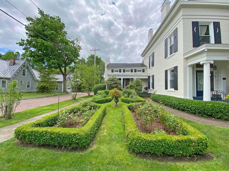 306 Gambier Street, Mount Vernon, Ohio 43050, 5 Bedrooms Bedrooms, ,3 BathroomsBathrooms,Residential,For Sale,Gambier,220017219