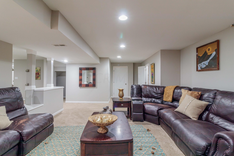 6388 Rose Garden Street, New Albany, Ohio 43054, 4 Bedrooms Bedrooms, ,4 BathroomsBathrooms,Residential,For Sale,Rose Garden,220017535