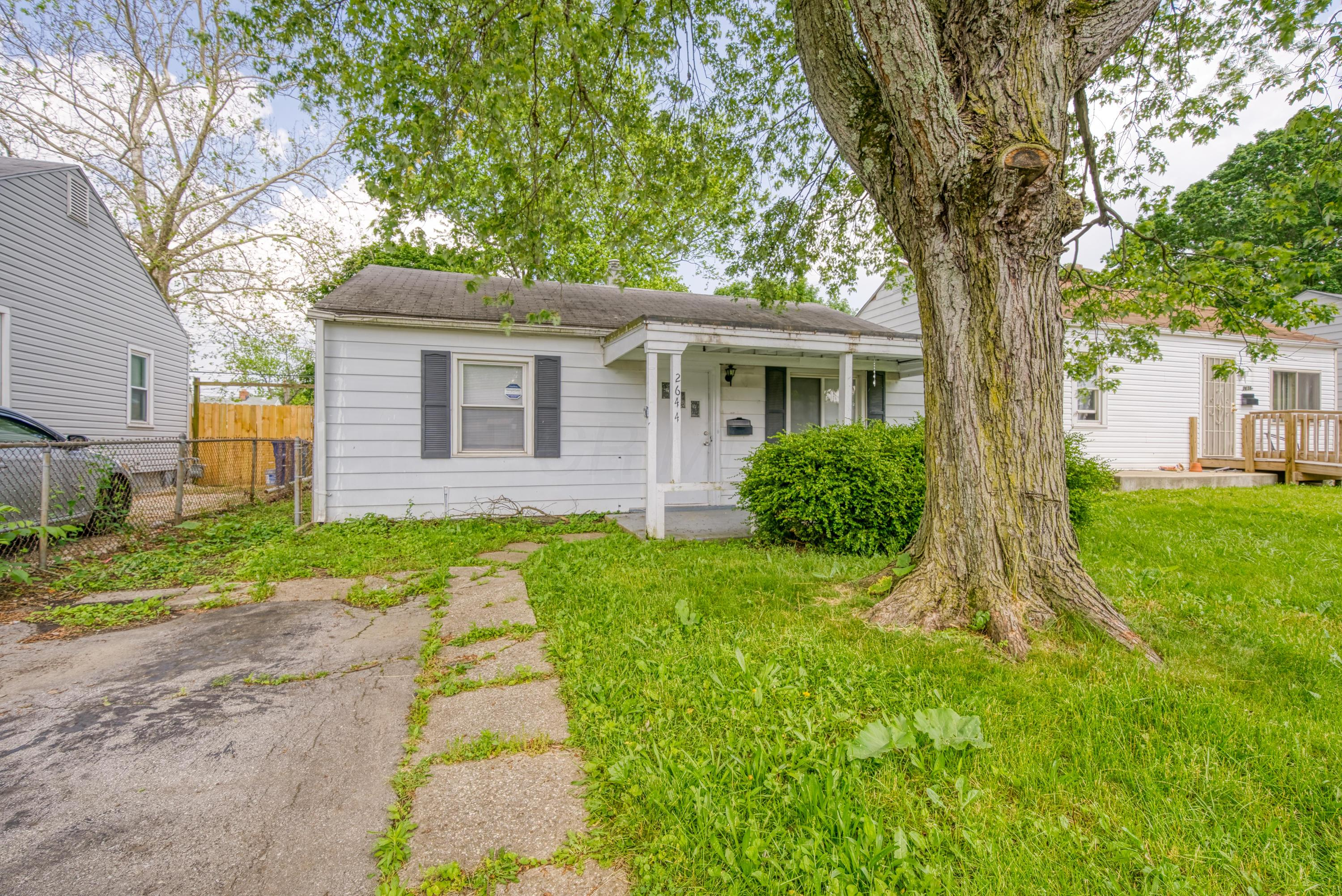 2644 Hiawatha Street, Columbus, Ohio 43211, 2 Bedrooms Bedrooms, ,1 BathroomBathrooms,Residential,For Sale,Hiawatha,220017962