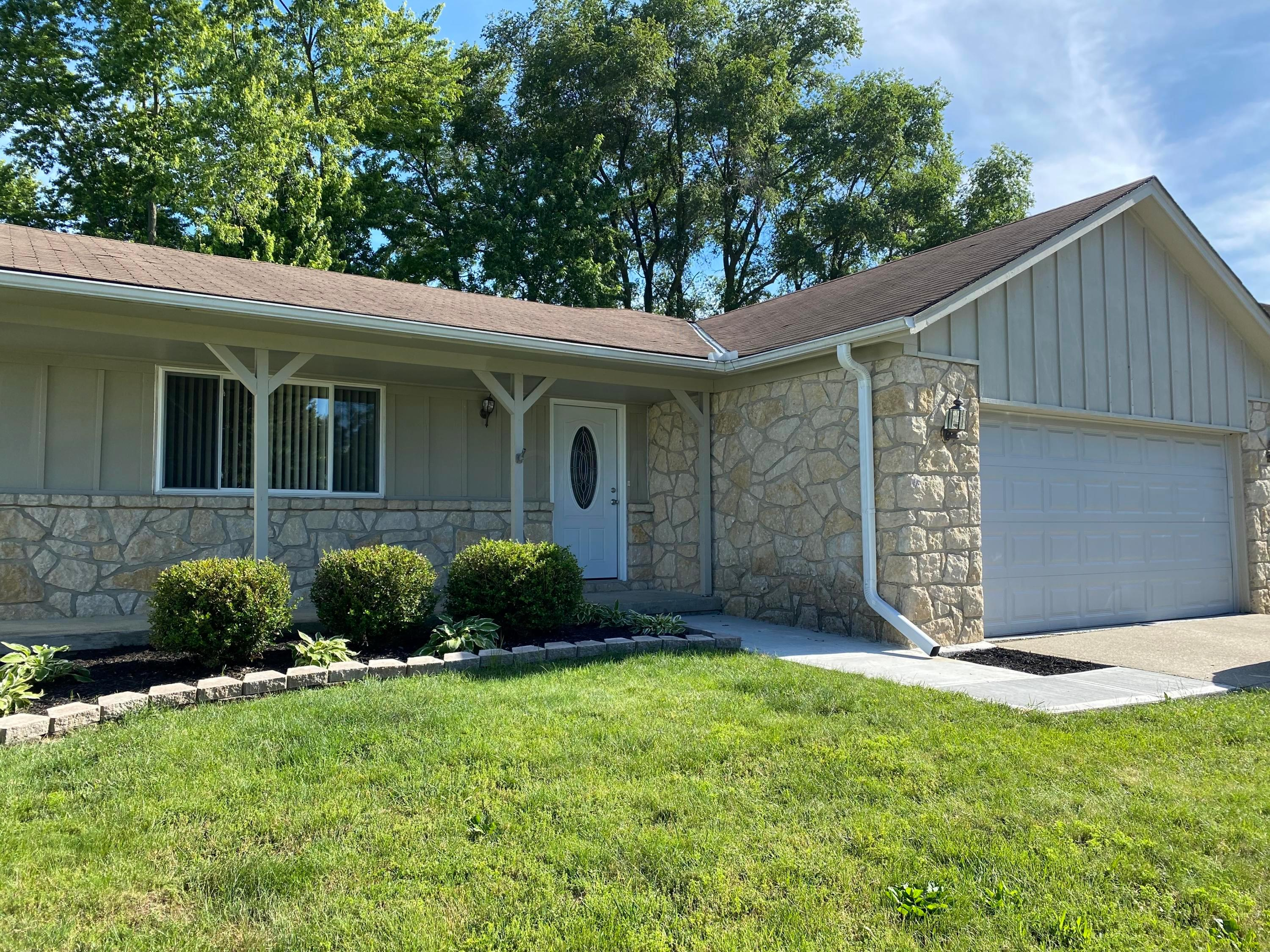 2009 Hamrock Drive, Powell, Ohio 43065, 3 Bedrooms Bedrooms, ,2 BathroomsBathrooms,Residential,For Sale,Hamrock,219040457