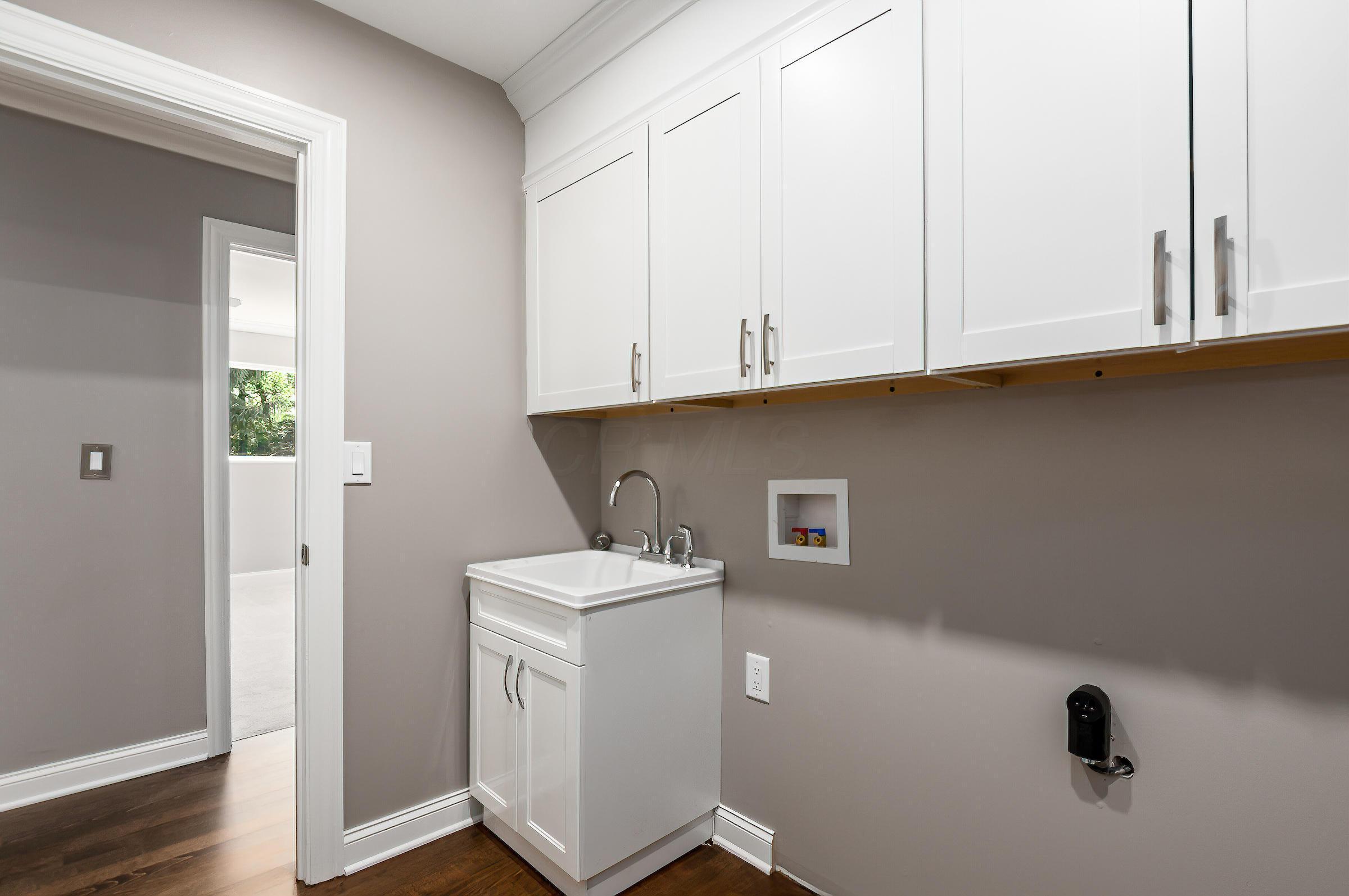 7402 Riverside Drive, Dublin, Ohio 43016, 4 Bedrooms Bedrooms, ,3 BathroomsBathrooms,Residential,For Sale,Riverside,220018266