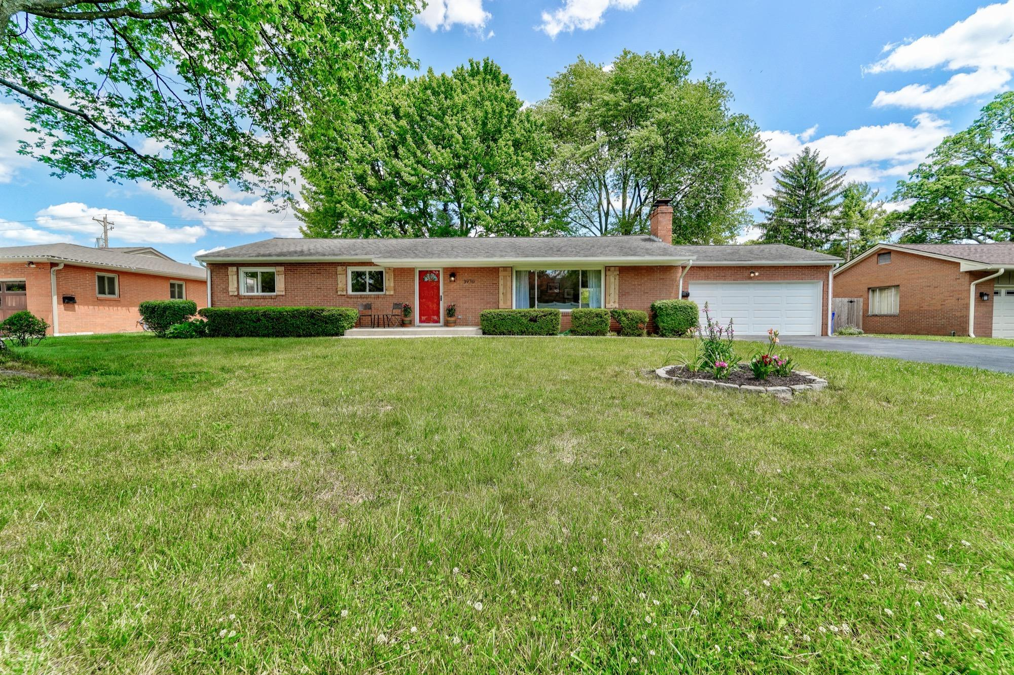 3970 Mountview Road, Columbus, Ohio 43220, 3 Bedrooms Bedrooms, ,3 BathroomsBathrooms,Residential,For Sale,Mountview,220018298
