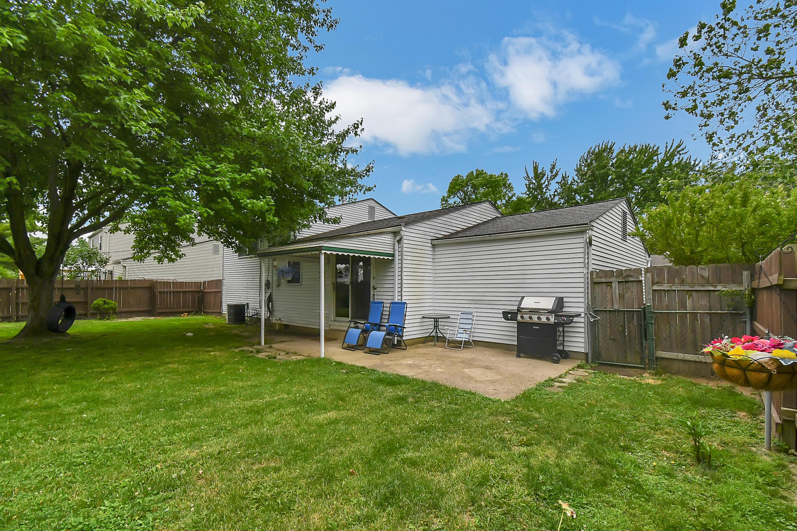 3616 Christopher Place, Grove City, Ohio 43123, 3 Bedrooms Bedrooms, ,1 BathroomBathrooms,Residential,For Sale,Christopher,220018543