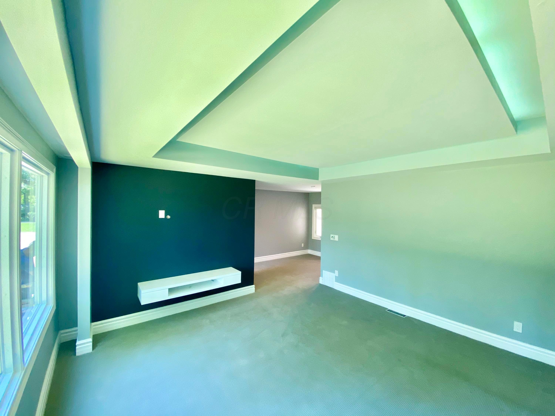 5360 Godown Road, Columbus, Ohio 43235, 4 Bedrooms Bedrooms, ,3 BathroomsBathrooms,Residential,For Sale,Godown,220018661