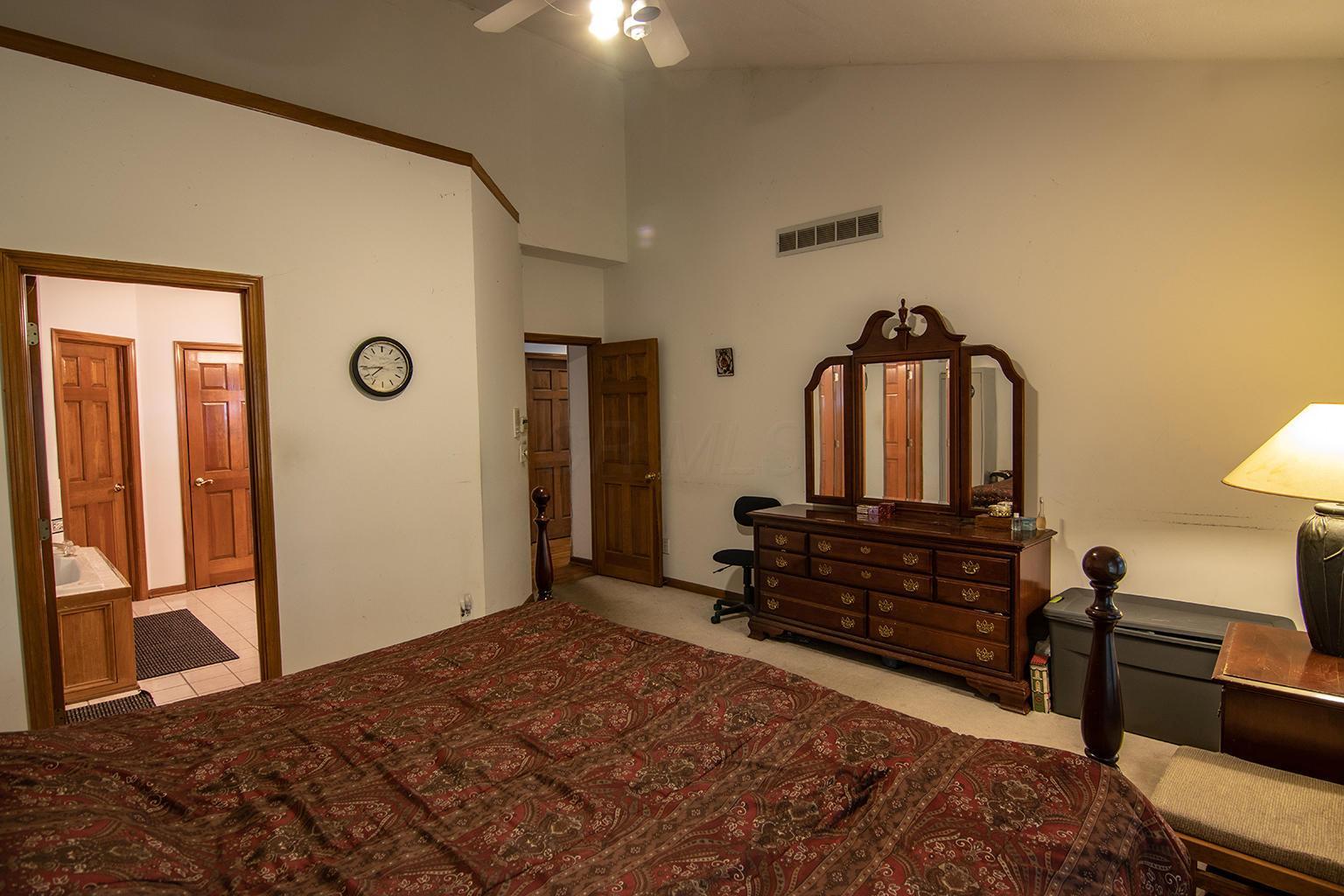 8727 Dustin Road, Galena, Ohio 43021, 4 Bedrooms Bedrooms, ,3 BathroomsBathrooms,Residential,For Sale,Dustin,220018767