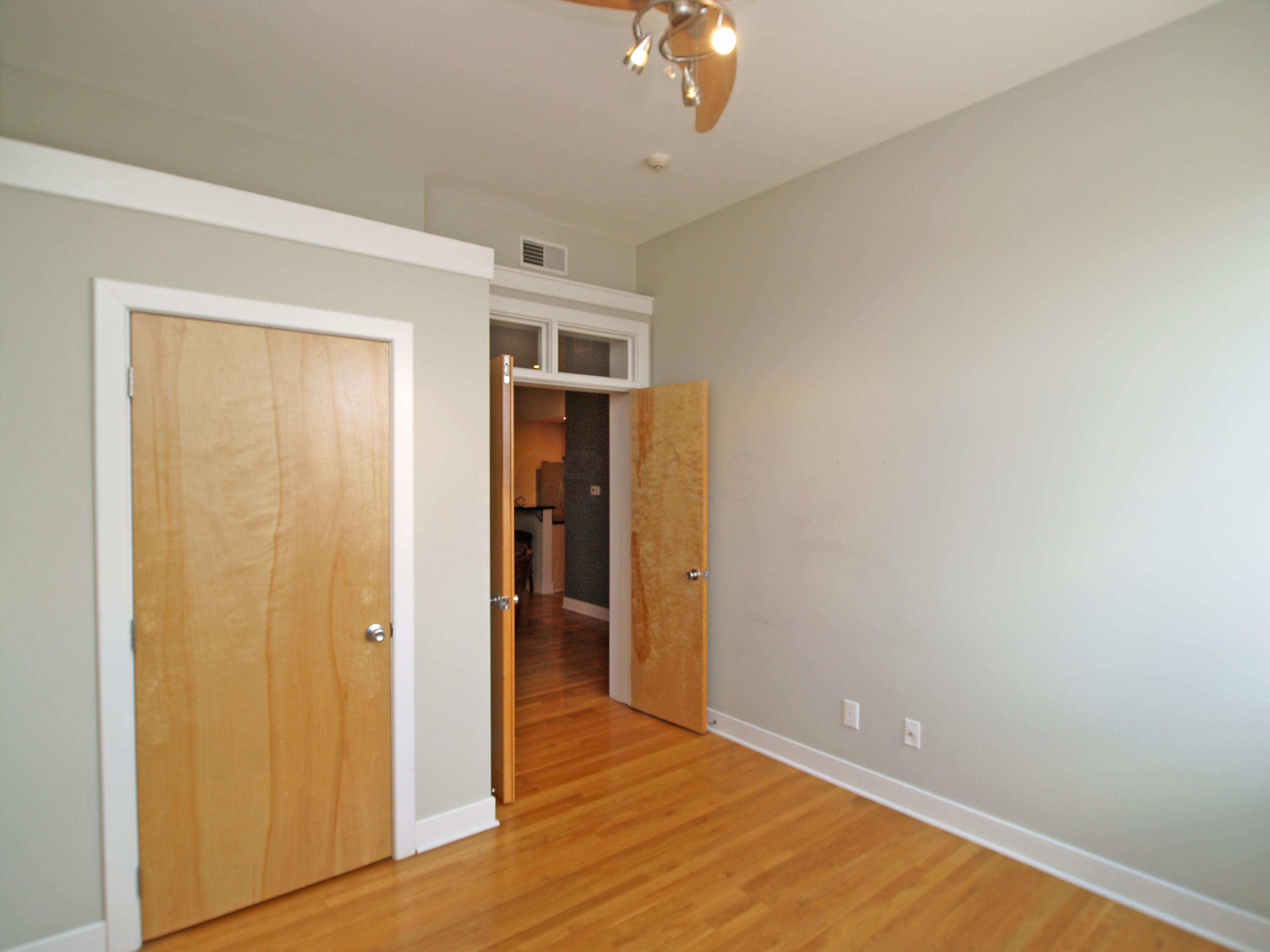 1276 High Street, Columbus, Ohio 43201, 2 Bedrooms Bedrooms, ,1 BathroomBathrooms,Residential,For Sale,High,220018729