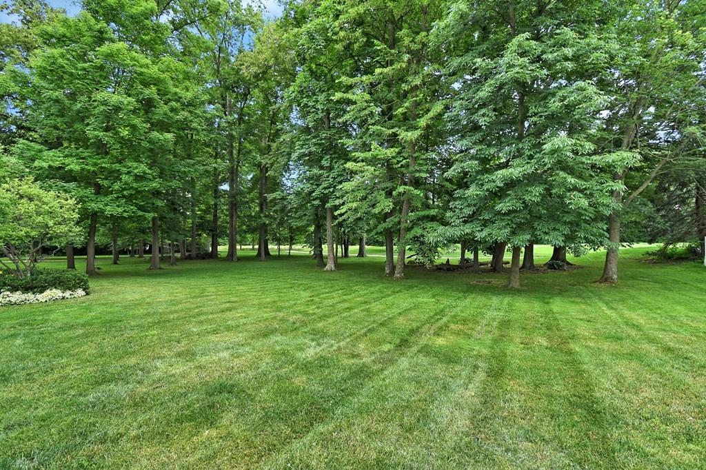 6033 Heritage Lakes Drive, Hilliard, Ohio 43026, 4 Bedrooms Bedrooms, ,5 BathroomsBathrooms,Residential,For Sale,Heritage Lakes,220018847