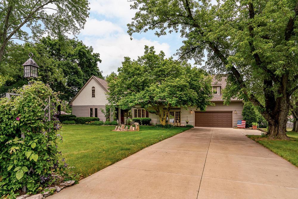 1424 Fishinger Road, Upper Arlington, Ohio 43221, 4 Bedrooms Bedrooms, ,4 BathroomsBathrooms,Residential,For Sale,Fishinger,220019253