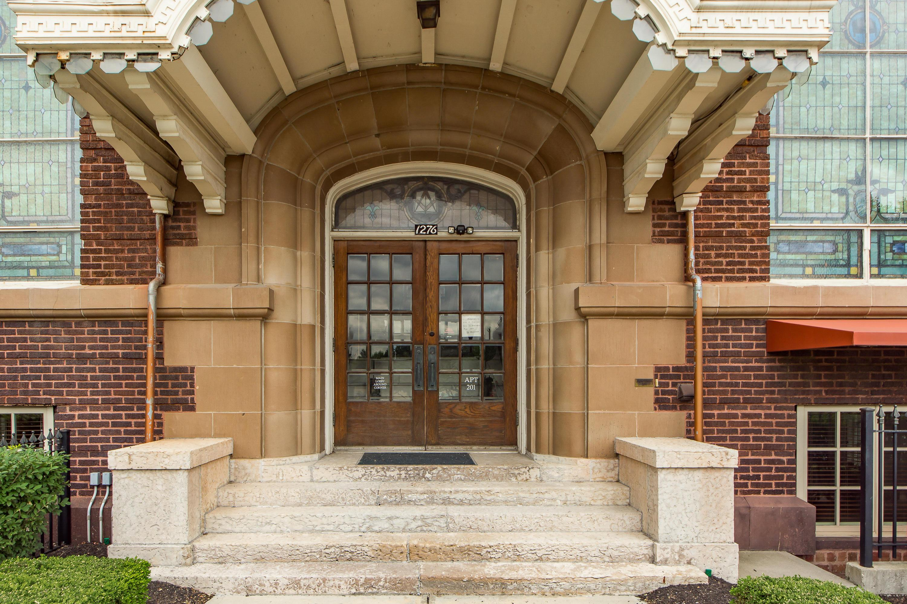 1276 High Street, Columbus, Ohio 43201, 2 Bedrooms Bedrooms, ,2 BathroomsBathrooms,Residential,For Sale,High,220019447