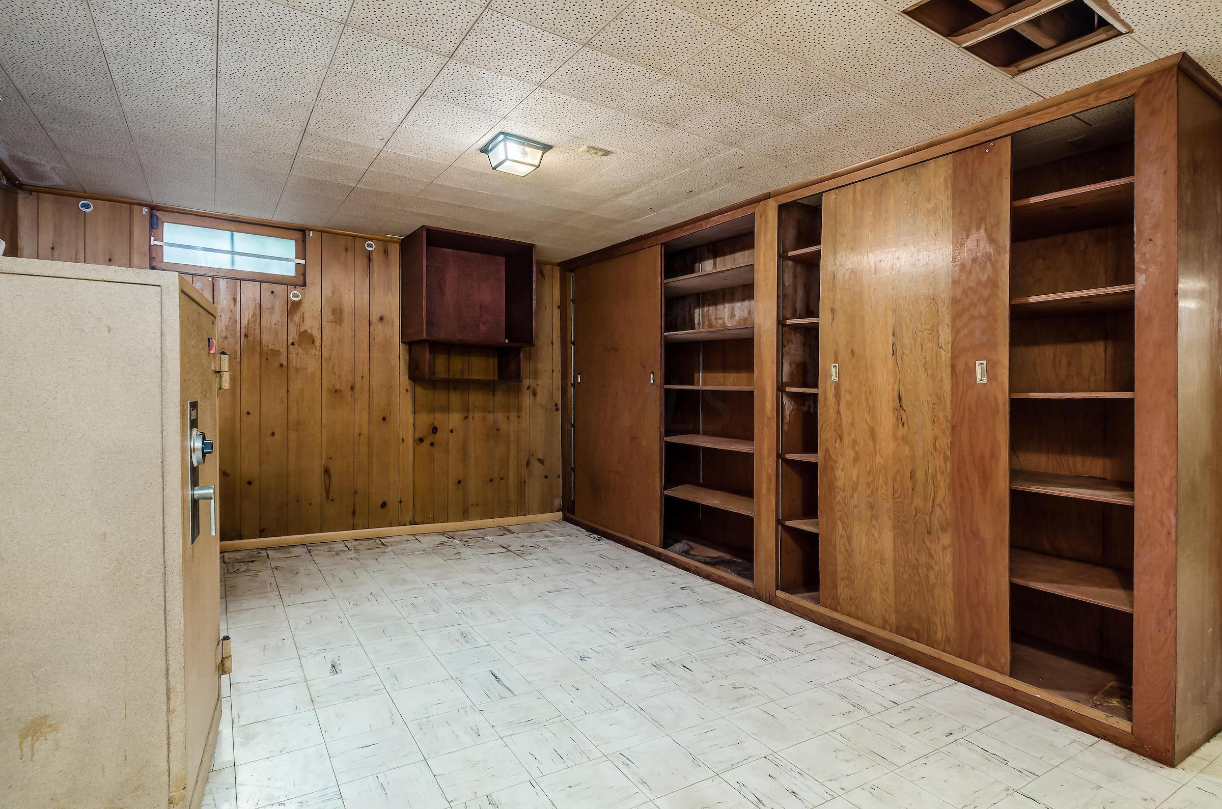 599 Glenmont Avenue, Columbus, Ohio 43214, 4 Bedrooms Bedrooms, ,3 BathroomsBathrooms,Residential,For Sale,Glenmont,220019036