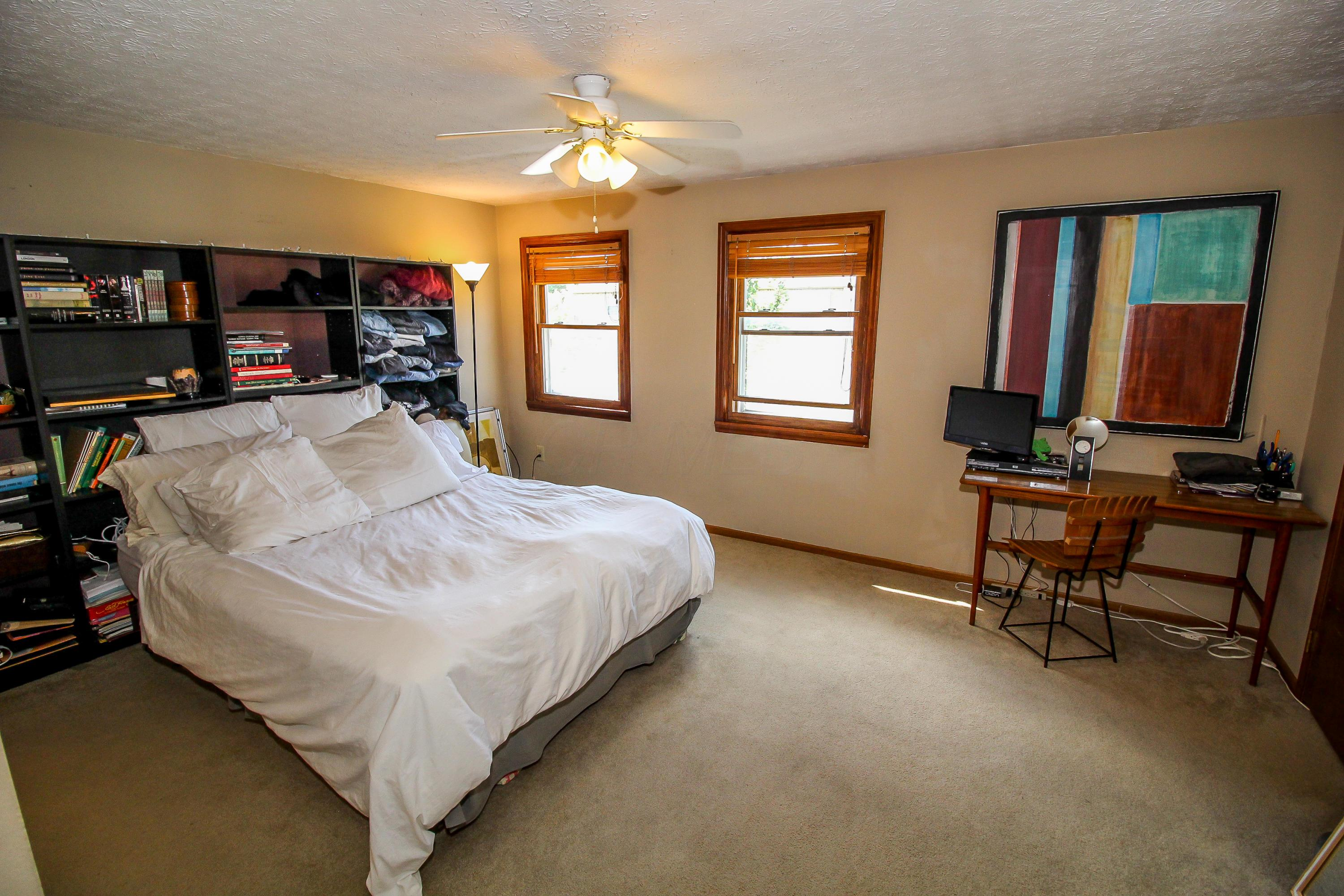 1689 Park Row Drive, Columbus, Ohio 43235, 2 Bedrooms Bedrooms, ,3 BathroomsBathrooms,Residential,For Sale,Park Row,220019720