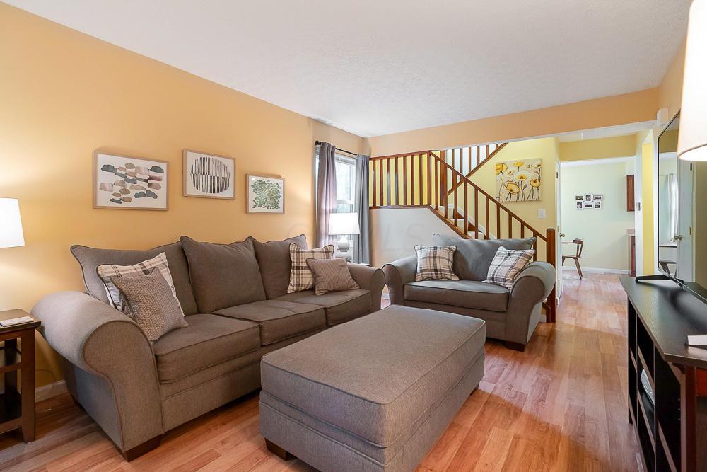 7982 Lakeloop Drive, Westerville, Ohio 43081, 3 Bedrooms Bedrooms, ,3 BathroomsBathrooms,Residential,For Sale,Lakeloop,220019967