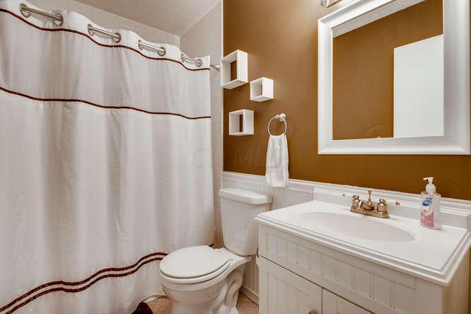 7850 Malton Lane, Worthington, Ohio 43085, 2 Bedrooms Bedrooms, ,2 BathroomsBathrooms,Residential,For Sale,Malton,220020037