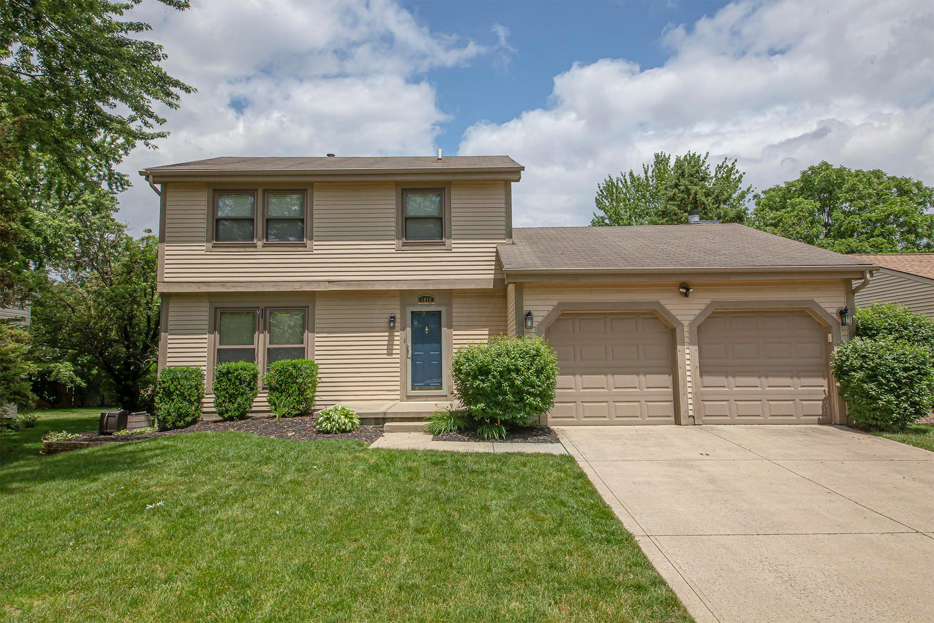 1816 Gallo Drive, Powell, Ohio 43065, 3 Bedrooms Bedrooms, ,3 BathroomsBathrooms,Residential,For Sale,Gallo,220020183