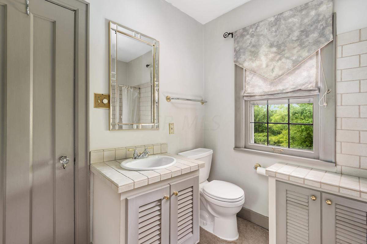 4935 Olentangy Boulevard, Columbus, Ohio 43214, 4 Bedrooms Bedrooms, ,4 BathroomsBathrooms,Residential,For Sale,Olentangy,220018686