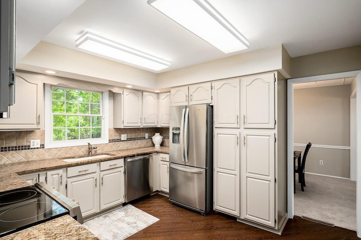 525 Lambourne Avenue, Worthington, Ohio 43085, 4 Bedrooms Bedrooms, ,3 BathroomsBathrooms,Residential,For Sale,Lambourne,220020108