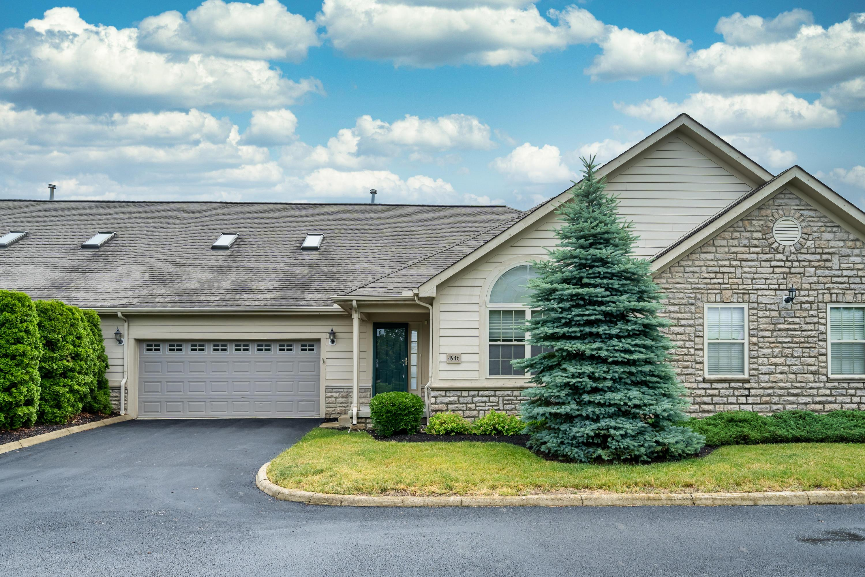 4946 Rays Circle, Dublin, Ohio 43016, 2 Bedrooms Bedrooms, ,3 BathroomsBathrooms,Residential,For Sale,Rays,220020306