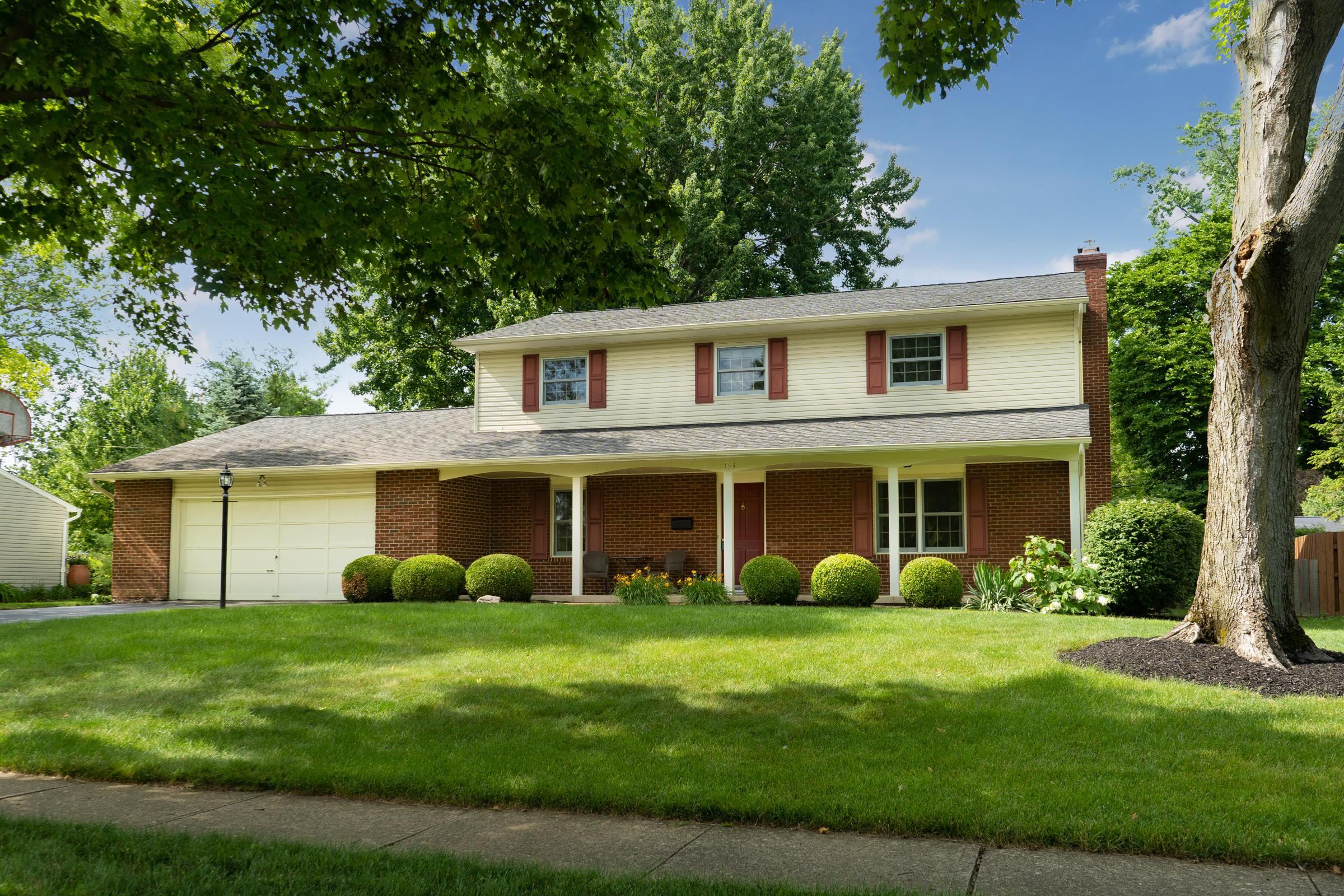 1354 Darcann Drive, Columbus, Ohio 43220, 4 Bedrooms Bedrooms, ,3 BathroomsBathrooms,Residential,For Sale,Darcann,220020101