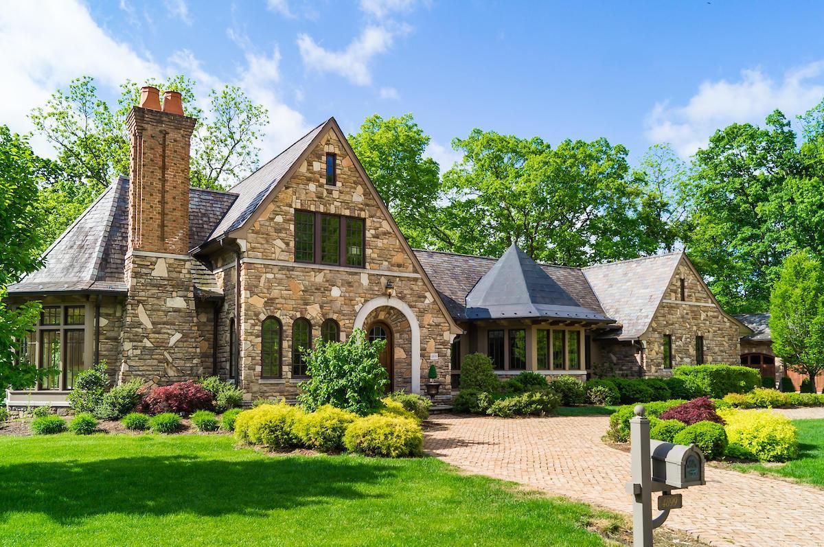 4899 Oldbridge Drive, Upper Arlington, Ohio 43220, 4 Bedrooms Bedrooms, ,6 BathroomsBathrooms,Residential,For Sale,Oldbridge,220005168