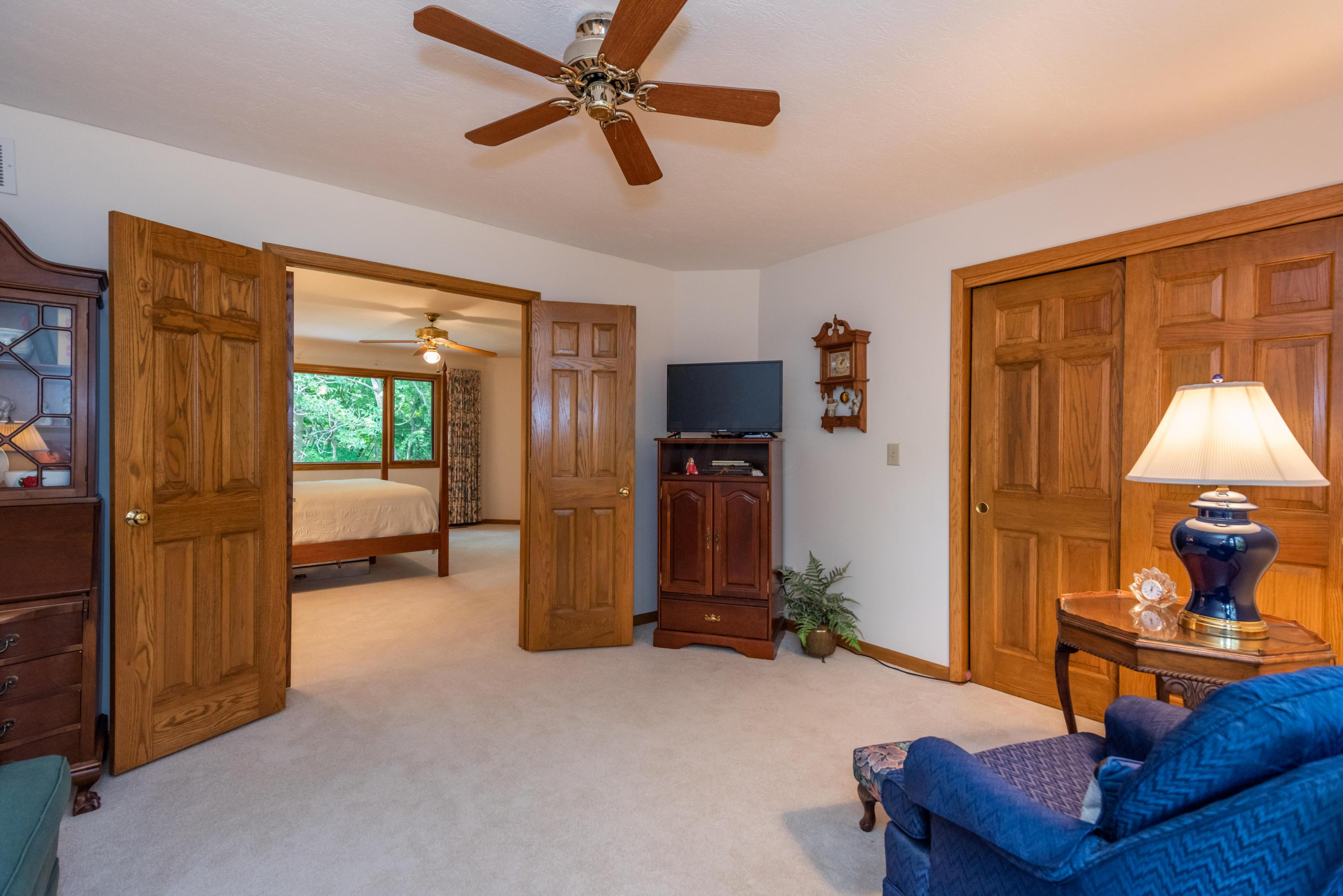 5742 Rushwood Drive, Dublin, Ohio 43017, 3 Bedrooms Bedrooms, ,3 BathroomsBathrooms,Residential,For Sale,Rushwood,220020403
