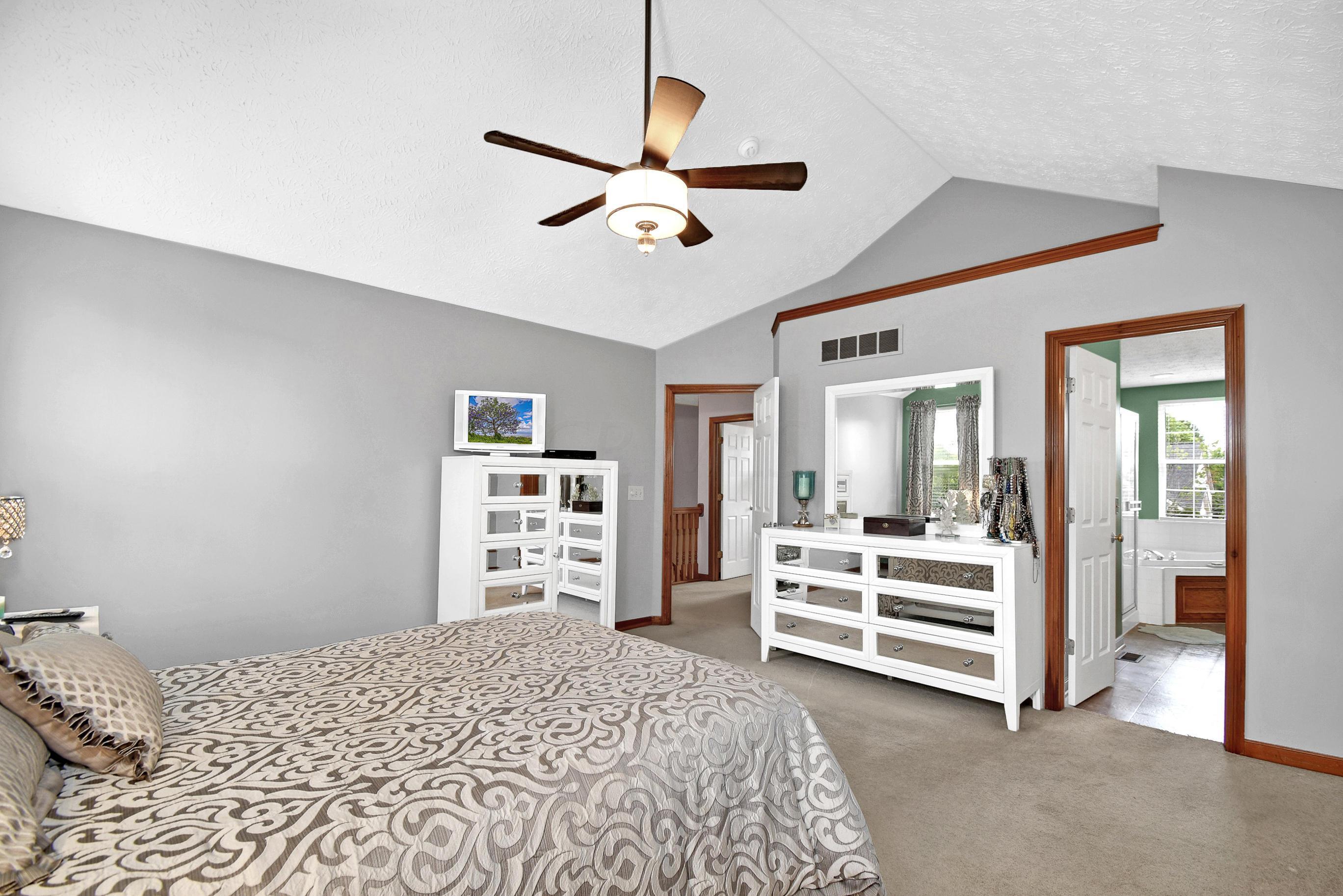 7647 Windsor Drive, Dublin, Ohio 43016, 4 Bedrooms Bedrooms, ,3 BathroomsBathrooms,Residential,For Sale,Windsor,220020363