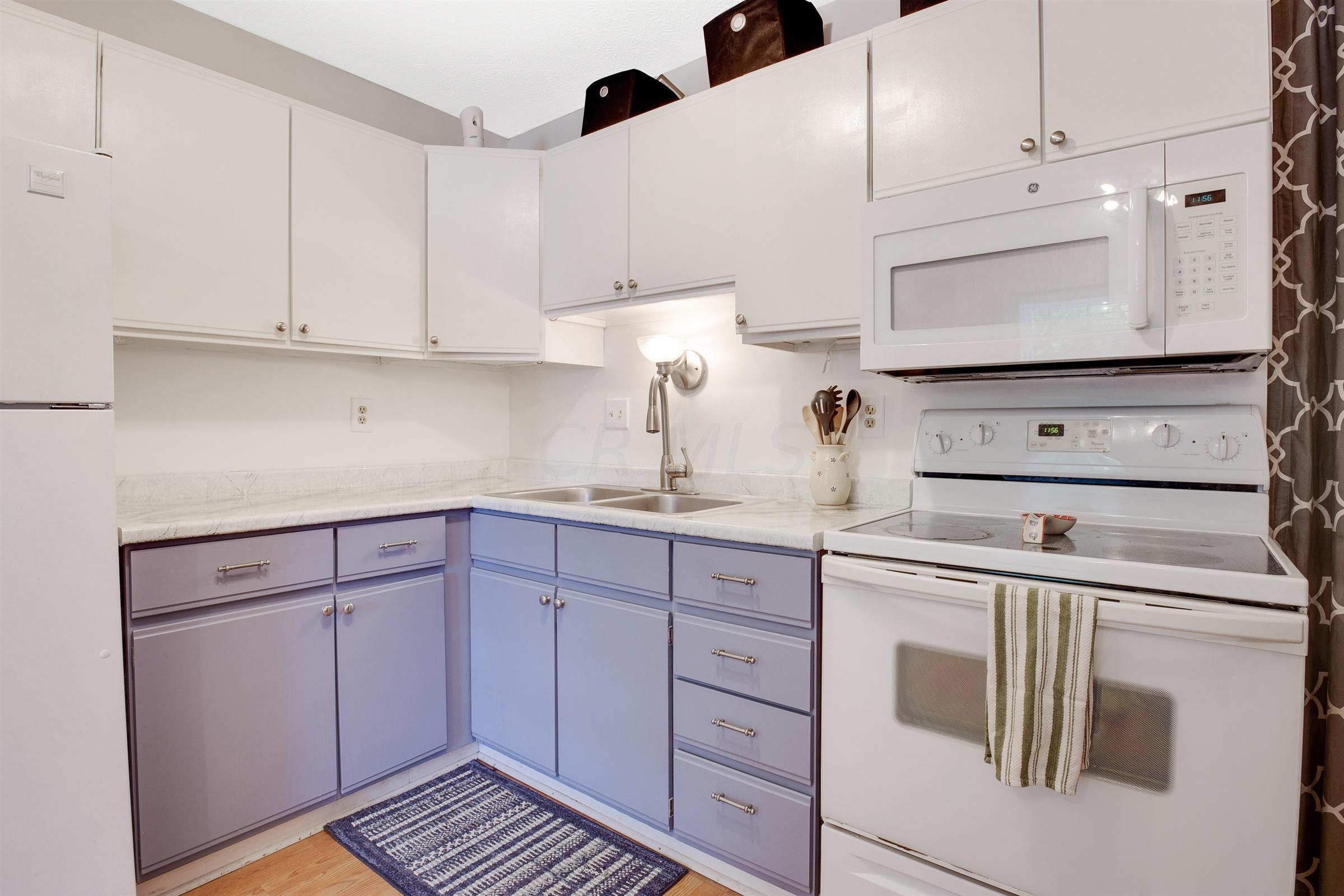 3805 Farm Brook Lane, Columbus, Ohio 43204, 2 Bedrooms Bedrooms, ,1 BathroomBathrooms,Residential,For Sale,Farm Brook,220020346